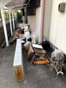 藤枝市のお客様、プラスチック製ラック、イス、扇風機、プラ収納ケース、木材、家電製品、その他備品類を回収させて頂きました。