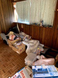掛川のお客様、座椅子、布団、書籍、その他備品類を回収させて頂きました。