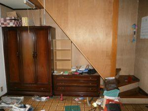 婚礼家具、木製ラック、その他備品類を回収させて頂きました。