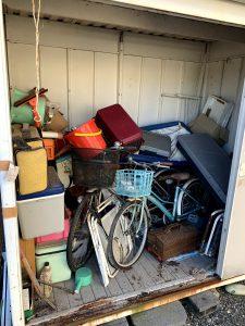 御前崎市のお客様、物置内の自転車、クーラーボックス、プラ収納ケース、その他備品類を回収させて頂きました。