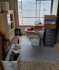 木製タンス、木製ガラスケース、プラ収納ケース、プラ収納ボックス、その他備品類を回収させて頂きました。