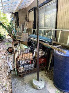 吉田町のお客様、一輪車、アルミはしご、メッシュワゴン、コンテナ、その他不用品を回収させて頂きました。