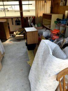 焼津市のお客様、家具、電化製品、布団、ゴムホース、プラスチック、その他不用品を回収させて頂きました。