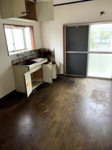 吉田町のお客様、トースター、プラケース、混じりゴミ、その他不用品を回収させて頂きました。