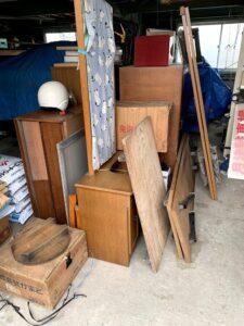 焼津市のお客様、木製家具、折りたたみテーブル、その他不用品を回収させて頂きました。