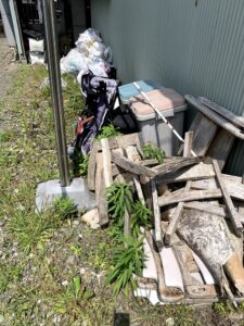 藤枝市のお客様、ゴミ箱、木材、混じりゴミ、その他不用品を回収させて頂きました。