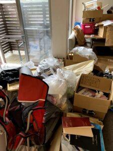 藤枝市のお客様、ソファー、テーブル、キャンプ用チェアー、パイプ物干し、その他不用品を回収させて頂きました。
