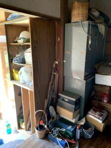 島田市のお客様、木製棚、スチール棚、木箱、プラスチック、その他不用品を回収させて頂きました。